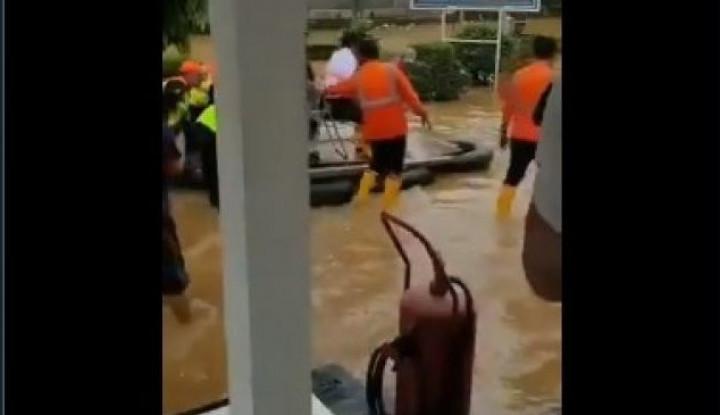 Viral Bos KAI Tinjau Banjir, Demokrat Malah Minta Pecat - Warta Ekonomi