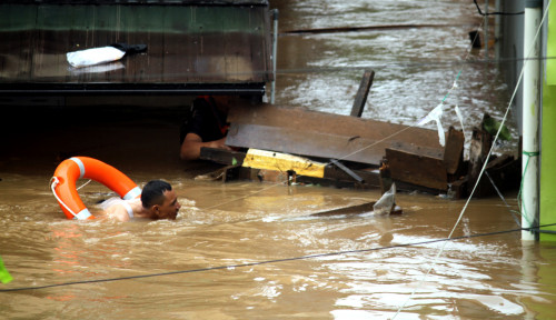 Foto Ratusan Jiwa Jadi Korban Banjir di Jakarta