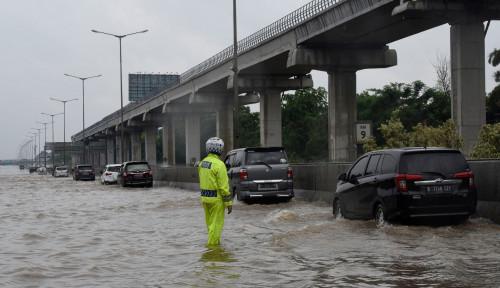 Foto Tol Jasa Marga Tergenang Air, Di Mana Aja?