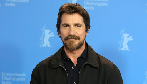 Christian Bale Bakal Ganti 'Jubah', Marvel Ajak Main di Thor: Love and Thunder?