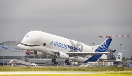 Foto Covid-19 Serang Eropa, Airbus & VW Berhenti Produksi