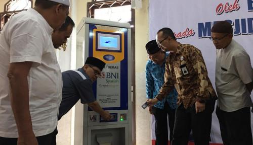 Foto Bantu Masyarakat dalam Sedekah, BNI Syariah Medan Salurkan 3 ATM Beras
