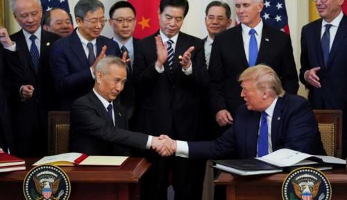 Foto Trump Tolak Usulan Pembatasan Penjualan Komponen Jet AS ke China