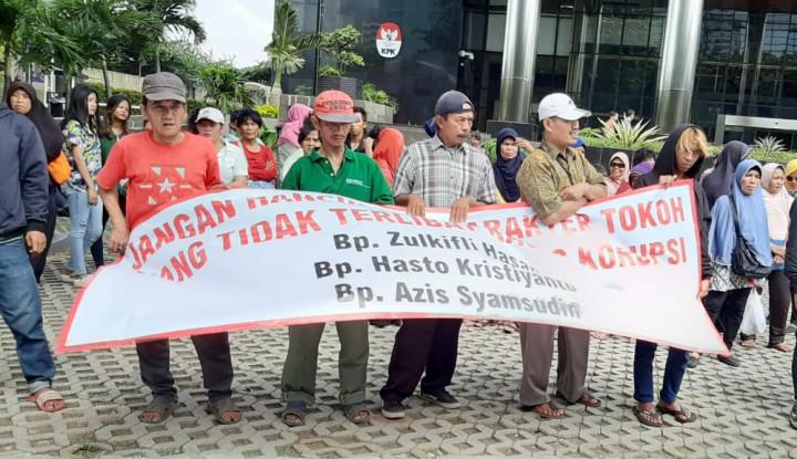 Gelar Aksi, Massa Minta KPK Tak Terpengaruh Politisasi Kasus - Warta Ekonomi