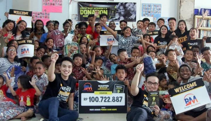Foto Berita Richard Putra Hasilkan Puluhan Miliar dari Instagram, Donasikan 100 Juta dari Jualan Buku