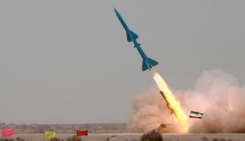 Foto Komando Operasi Iran Temukan Barang Bukti Peluncur Roket di Baghdad