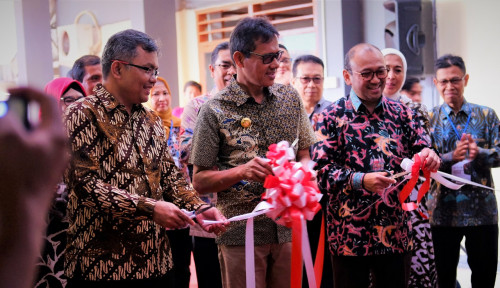 Foto Semen Indonesia Revitalisasi Laboratorium Teknik Sipil Universitas Bung Hatta Sumatera Barat