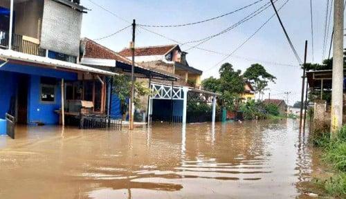 Foto Banjir Bukan Cuma di Jakarta, Karawang Juga