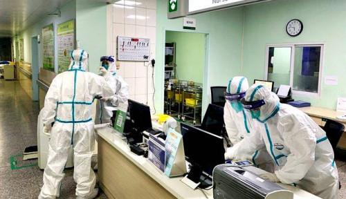 Tak Ada Semarak Imlek, Suami-Istri Dokter China Berjibaku Tangani Virus Corona