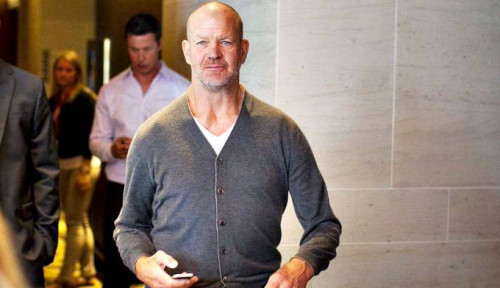 Foto Pandai Lihat Potensi Bisnis, Pria Ini Sukses Raup Rp67 Trilun dari Pakaian Yoga