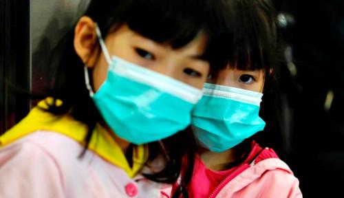 Foto Cegah Corona, Bank Mandiri Bagikan 30 Ribu Masker di Hong Kong