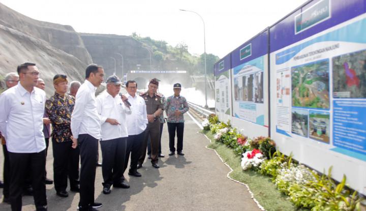 Bagian Pengendalian Banjir, Jokowi Resmikan Terowongan Sungai Nanjung - Warta Ekonomi