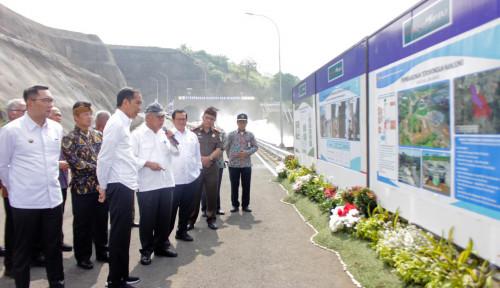 Foto Bagian Pengendalian Banjir, Jokowi Resmikan Terowongan Sungai Nanjung