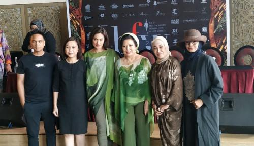 Foto Designer Nasional Ikut Ramaikan Balikpapan Fashion Week 2020