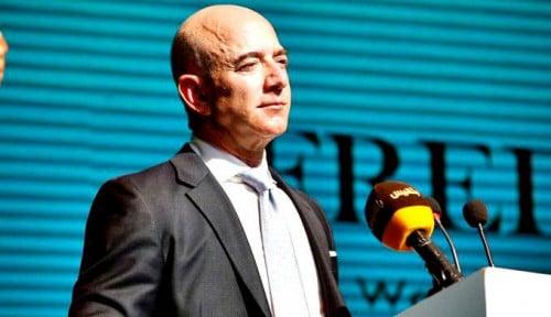 Hanya Dalam Dua Hari Jeff Bezos Lepas Saham Amazon Rp28 Triliun, Ada Apa?