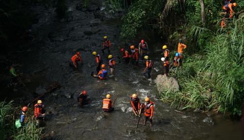Foto Susur Sungai Pramuka Sleman Telan 9 Korban, DPR Komentar Begini