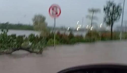 Foto Klaim Anti Banjir, Jakarta Garden City Ternyata Meluap