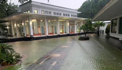Foto Banjir Lagi di Jakarta, Salah Siapa? Ini Jawaban Basuki