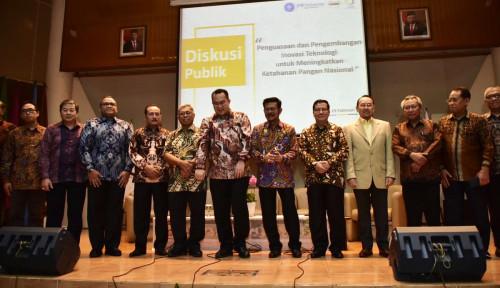 Foto Diskusi Publik IPB, Mentan Minta Pengetahuan Mahasiswa Pertanian Harus Berguna di Desa