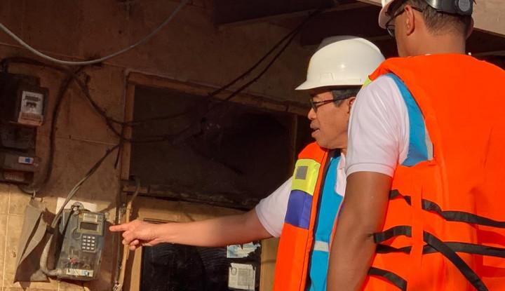 Bos PLN Blusukan ke Daerah yang Listriknya Padam Akibat Banjir - Warta Ekonomi