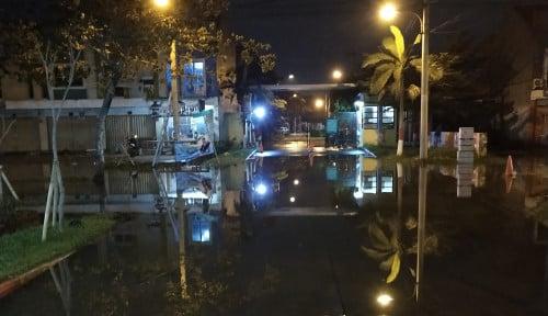 Foto Harapan Mulya Regency Masih Tergenang Banjir, Warga Minta HDP Perbaiki Pompa Danau