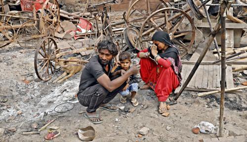 Banyak Rumah dan Toko Muslim India Rusak Parah, tapi Polisi Bilang Sudah Lakukan...