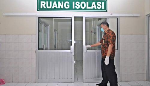 Foto Ruang Isolasi RSUP Adam Malik Penuh, Pasien Terpaksa Ditempatkan di IGD