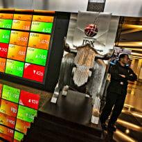 Bursa Asia Perkasa, IHSG Terbang ke Atas 5.000 di Senin Pagi