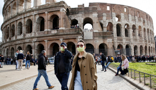 Foto Darurat Corona, Pengusaha Besar Italia Malah Buka Seperti Biasa, Duh!