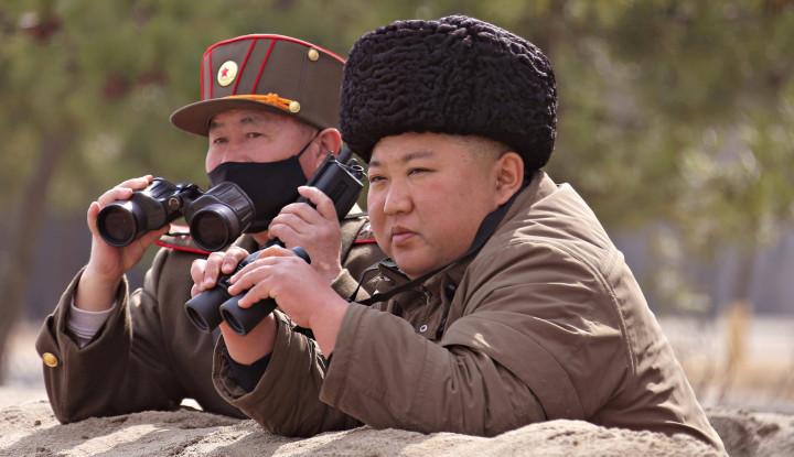 Foto Berita Diisukan Meninggal hingga Miliki Harta Rp74 Triliun, dari Mana Sumber Kekayaan Kim Jong Un?