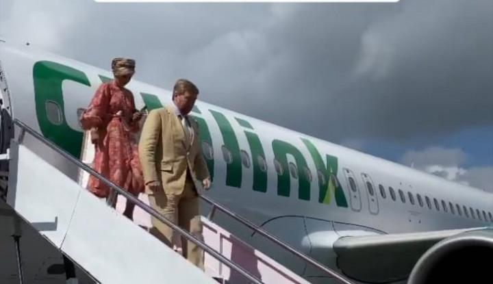 Cuek Soal Corona, Raja dan Ratu Belanda Terbang ke Danau Toba Naik Citilink
