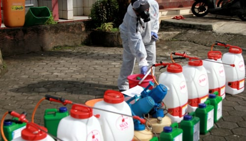 Foto Hoaks Terbaru: Seluruh Warga DKI Dilarang Keluar untuk Penyemprotan Disinfektan