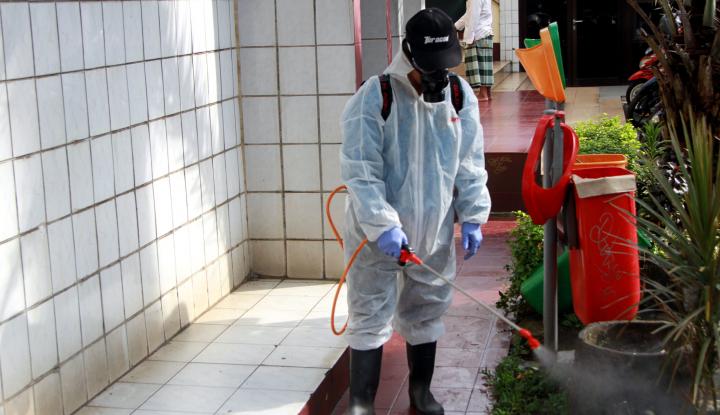 No Hoax! Mulai Pagi Ini Sejumlah Wilayah di Jakarta Bakal Disemprot Disinfektan - Warta Ekonomi