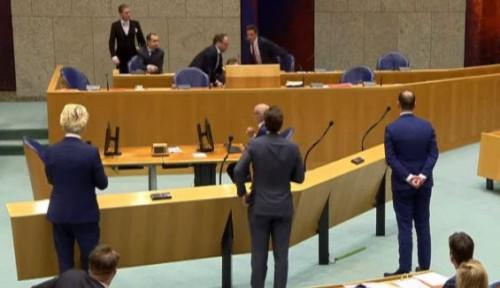 Menteri Kesehatan Belanda Ambruk di Tengah Rapat Soal Wabah Corona