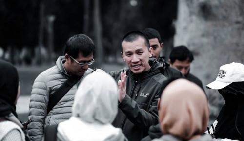 Foto Ribut-ribut Fatwa MUI, Felix: Jangan Anggap Salat Jemaah Saat Ini Lebih Beriman, Ulama Lebih Tahu!