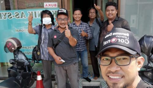 Foto Dewi Aryani Berikan Vaksin Gratis di Dapilnya