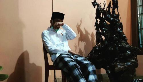 Foto 'Mas Jokowi, Lelaki Itu Pantang Menangis'