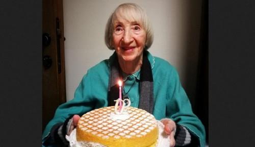 Foto Nenek 102 Tahun Dapat Julukan Immortal karena Berhasil Sembuh dari Virus Corona