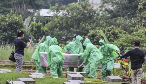 Foto Anies: Lapor Pak Wapres, Belum Setengah Hari Ini, Ada 38 Orang Dimakamkan Karena Corona