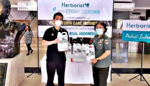 Foto 500 Jeriken Herborist Hand Sanitizer Meluncur ke RSPAD Gatot Subroto