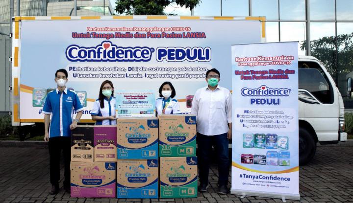 Softex Indonesia Sumbang 10 Ribu Popok Dewasa Untuk Tenaga Medis RS Darurat