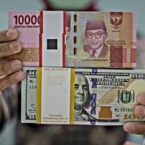 Yang Fana Adalah Kemenangan Dolar AS, Rupiah Abadi