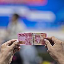 Dibayangi Perang Dingin AS-China, Rupiah Tak Leluasa Bergerak Lawan Dolar AS