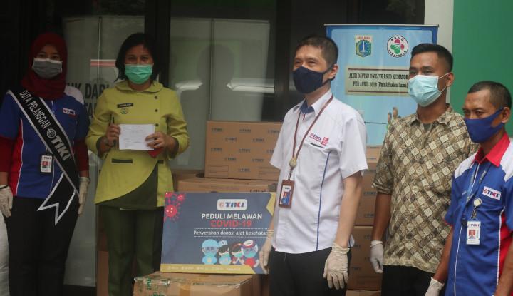 Tak Hanya Salurkan Bantuan APD, TIKI Bagikan Santunan untuk Anak Yatim dan Sembako Karyawan