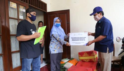 PSBB, Pupuk Indonesia Tebar Ratusan Paket Sembako ke Masyarakat di Jakarta Barat
