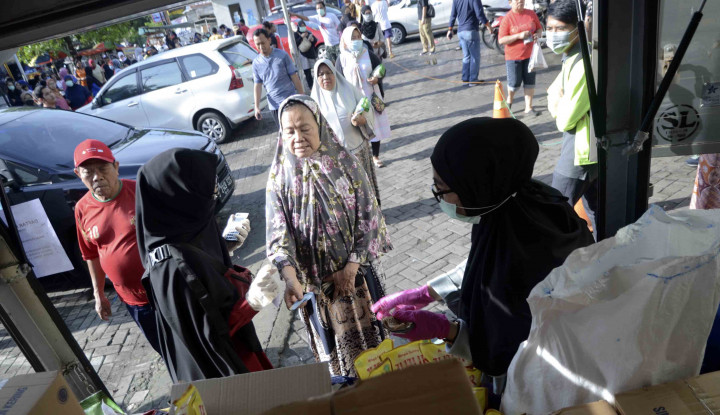 Duh, Pasar-Pasar di Wilayah Anies Tetap Ramai Meski PSBB