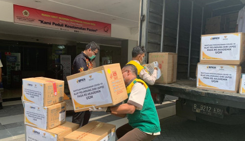 Baznas Salurkan Bantuan 5.347 APD untuk RS Akademik UGM