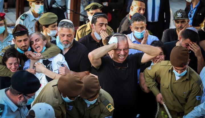 Militer Zionis Geram dan Mulai Buru Pelaku Pelemparan Batu yang Tewaskan Tentaranya