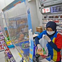 Masih Nakal Pakai Kantong Plastik, Siap-siap Disentil Bang Anies