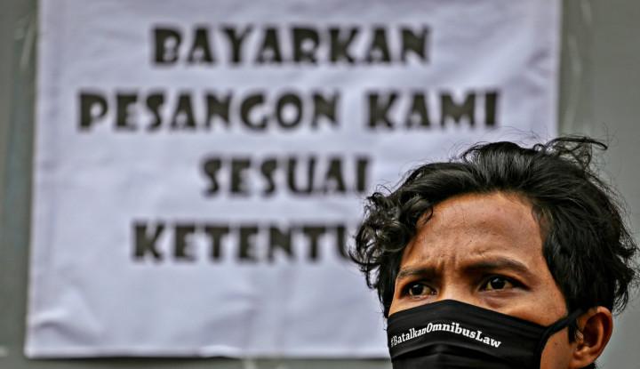 Bukan BLT, Buruh Menjerit Ingin Naik Gaji Pak Jokowi!